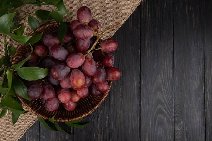 buah-anggur-manis-dan-kaya-air