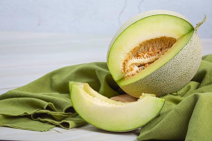 buah-melon-yang-manis-dan-tinggi-kandungan-air