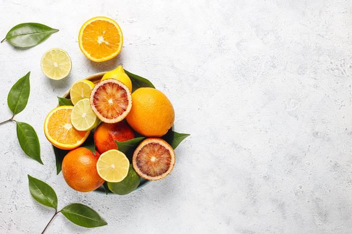 3-vitamin-yang-bagus-untuk-daya-tahan-tubuh-lingzhi-japan-vitamin-c
