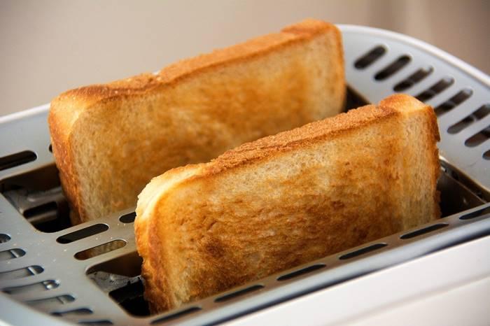 6-makanan-pemicu-kanker-yang-perlu-diketahui-lingzhi-japan-roti-panggang